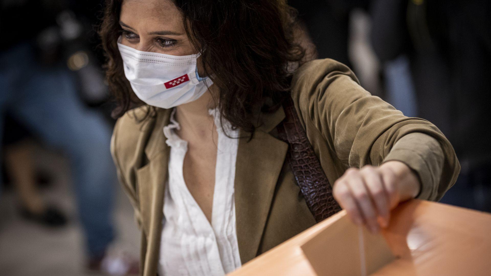 """Консерваторите спечелиха регионалните избори в Мадрид, основателят на """"Подемос"""" се оттегля"""