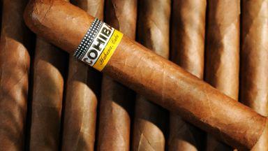 Китайците изкупуват легендарните кубински пури