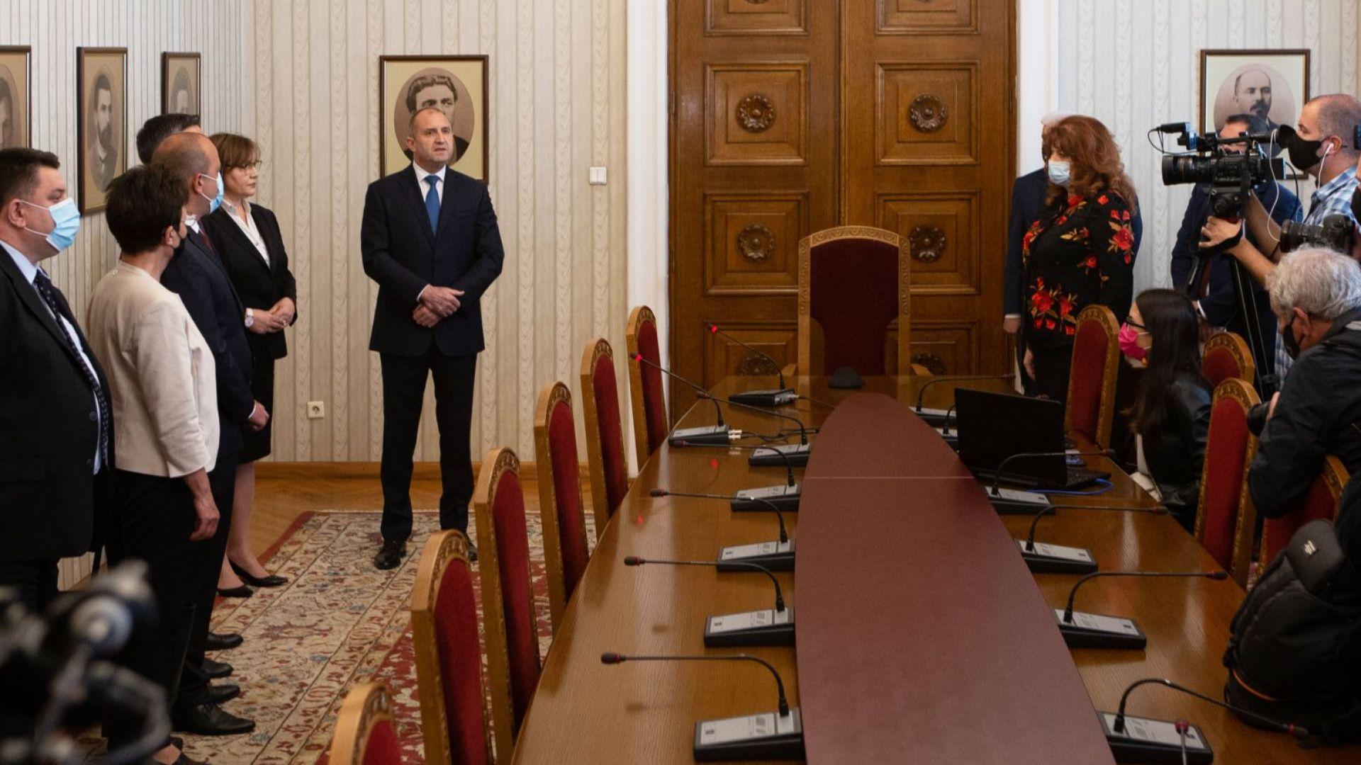 БСП върна мандата, служебно правителство - през следващата седмица, а избори - на 11 юли