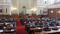 Спор в парламента: Преизчислението на пенсиите мина само на първо четене