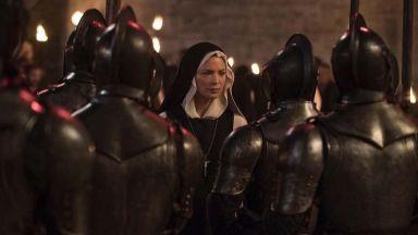 """Лесбо-монахинската драма """"Бенедета"""" на Пол Верховен е включена в конкурсната програма в Кан"""