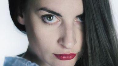 Пощенска кутия за приказки: Цветелина Цекова представя на живо дебютната си книга