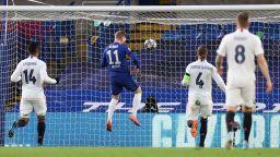 Челси - Реал Мадрид 1:0 (на живо) - златни шансове за домакините да решат всичко