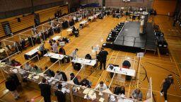 Приключи гласуването в британския Суперчетвъртък, резултатите се очакват до неделя