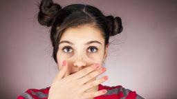 Какво причинява лош дъх и как да се преборим с него