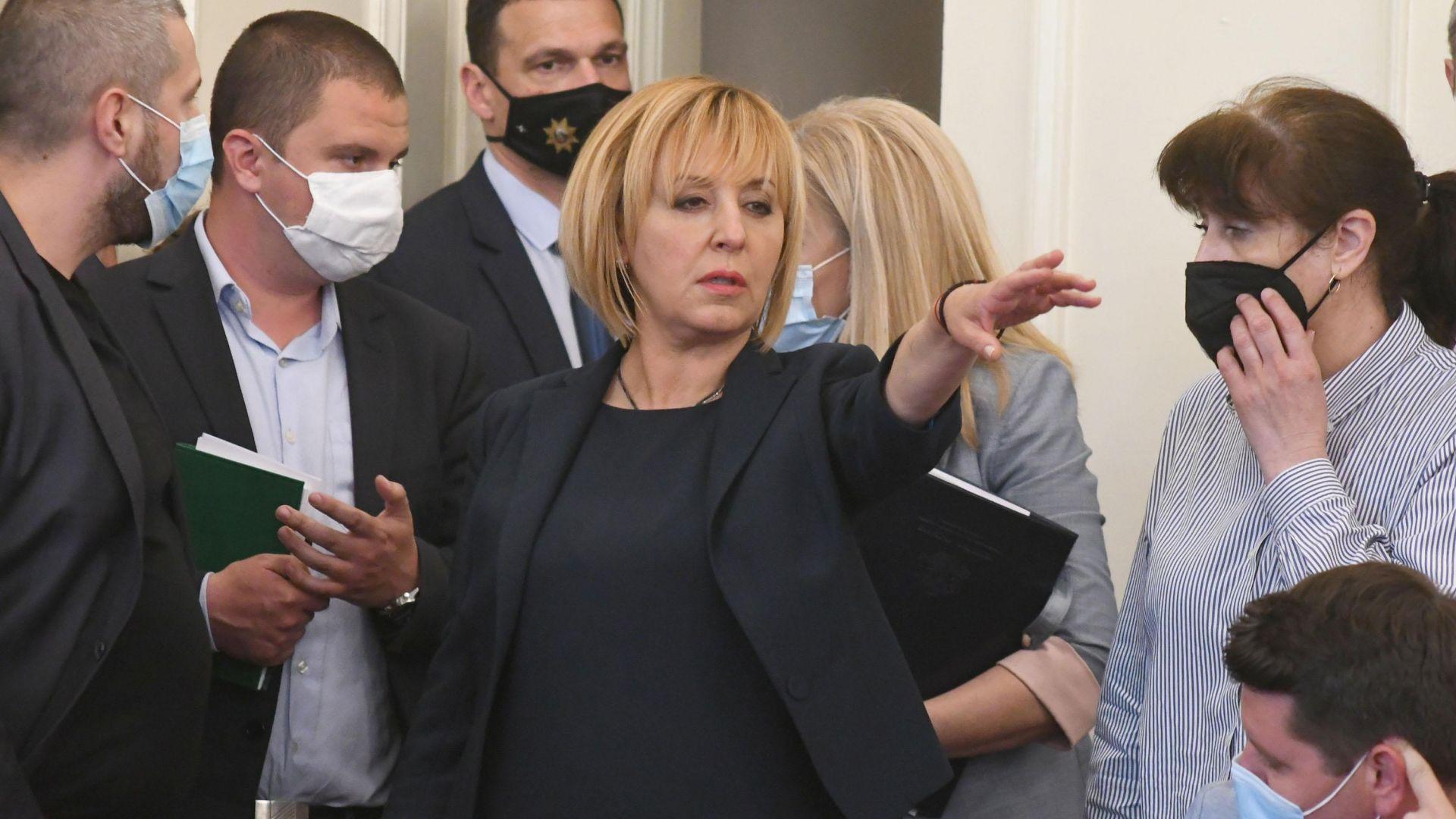 Манолова: Оценката ни за служебния кабинет ще зависи от работата му по сигналите на Комисията за Илчовски