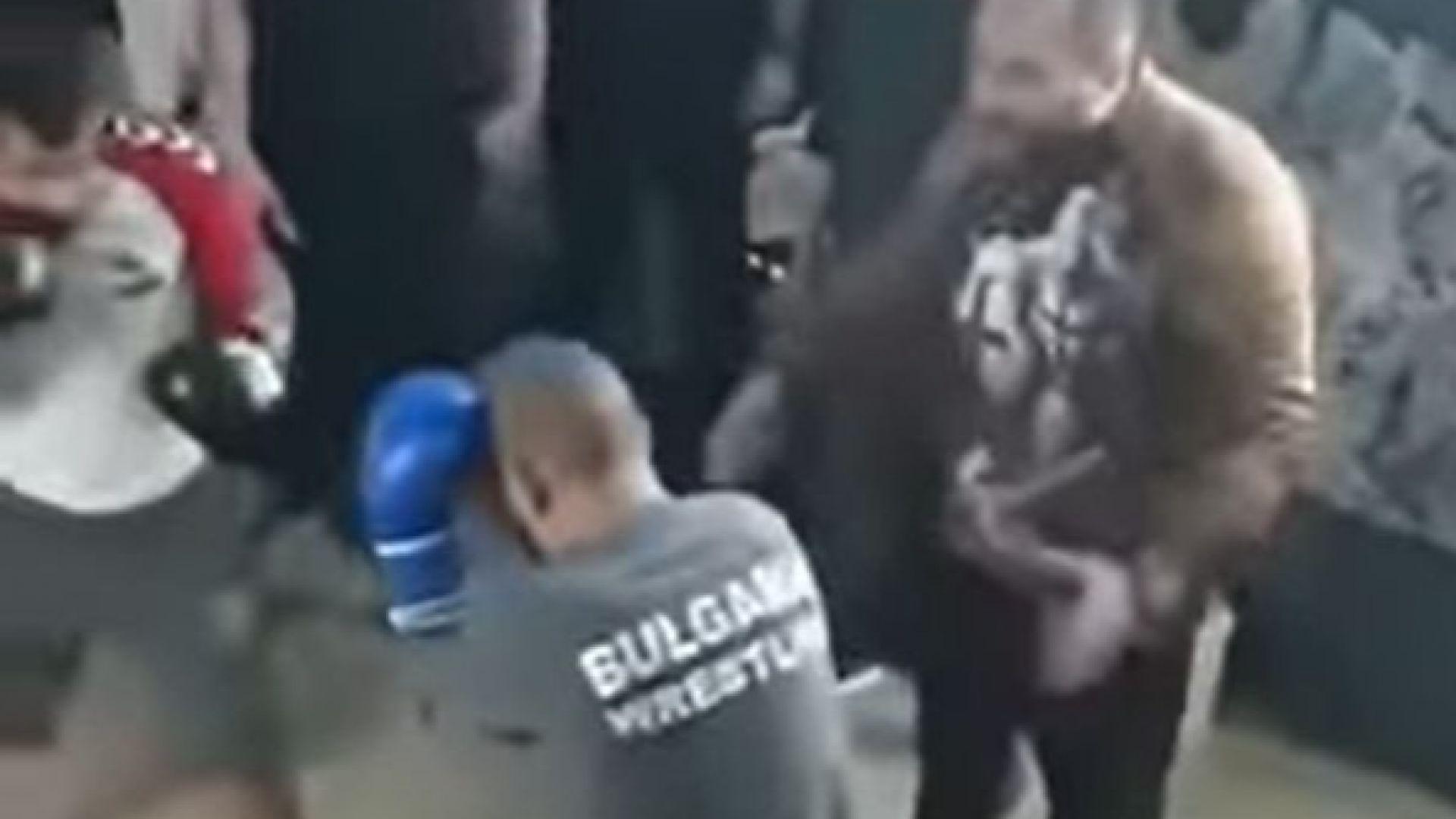 Димитър Желязков-Очите учи затворници да се боксират зад решетките (видео)