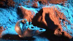 Откриха загадъчна лампа на 2000 години