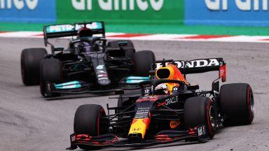 Кой ще спечели титлата във Формула 1? Букмейкърите не могат да разделят Макс и Луис
