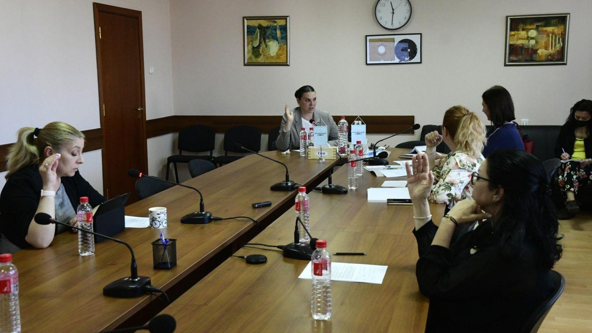 СЕМ към Минеков: Намесата в програмната политика на медиите е забранена