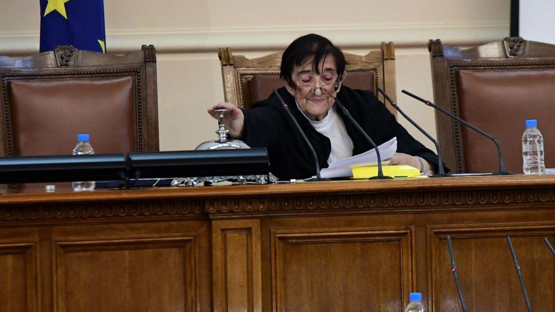 Мика Зайкова не приема обвинението към ИТН за краткия живот на парламента