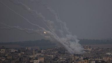 Минути след часа на ултиматума: Ракети полетяха между Израел и Газа (видео)