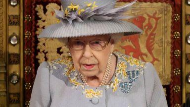 Тронна реч на кралица Елизабет II пред парламента, обяви план за възстановяване на икономиката