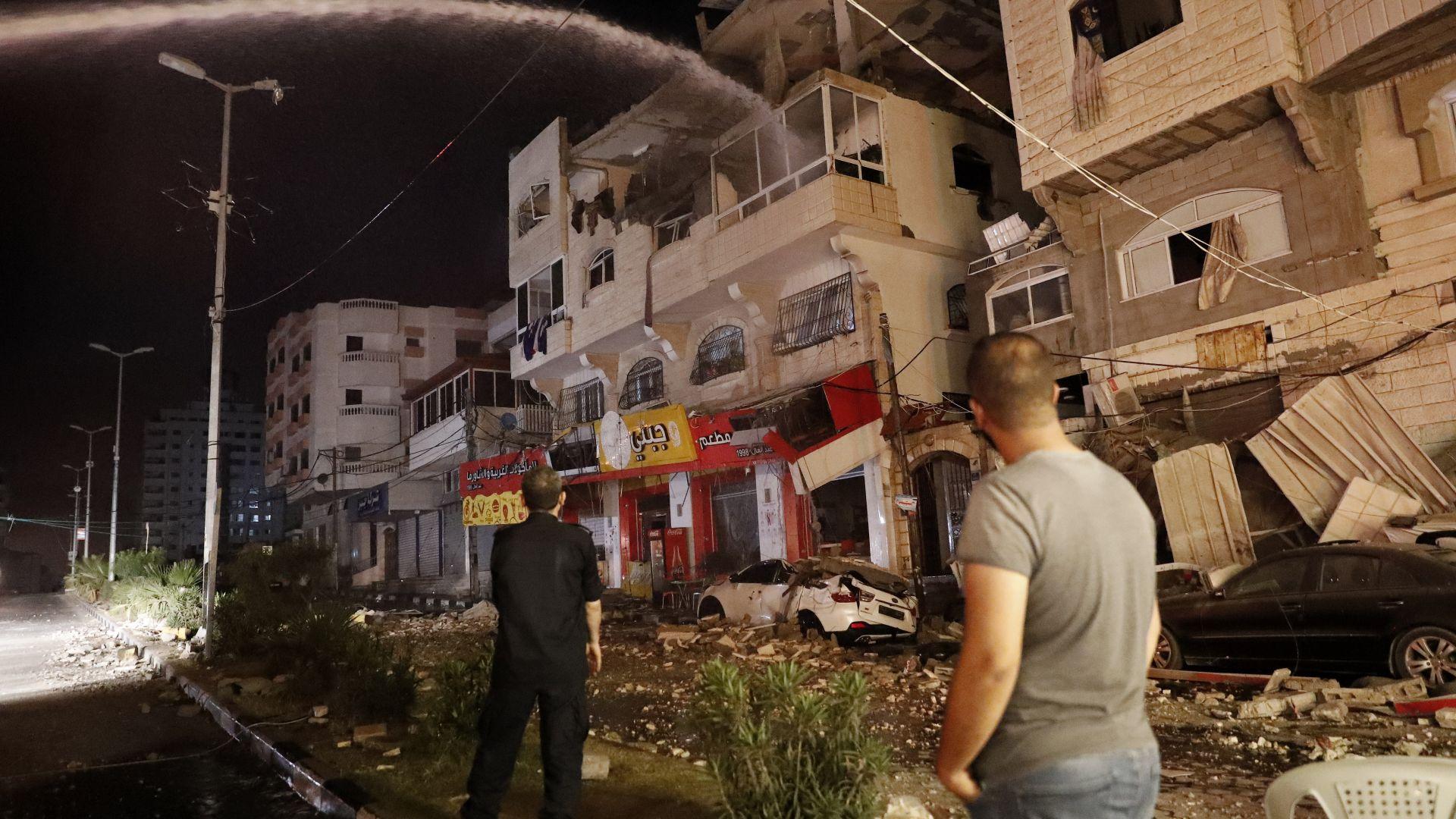 На крачка от война: Над 300 ракети изстреляни към Израел от Газа (видео)