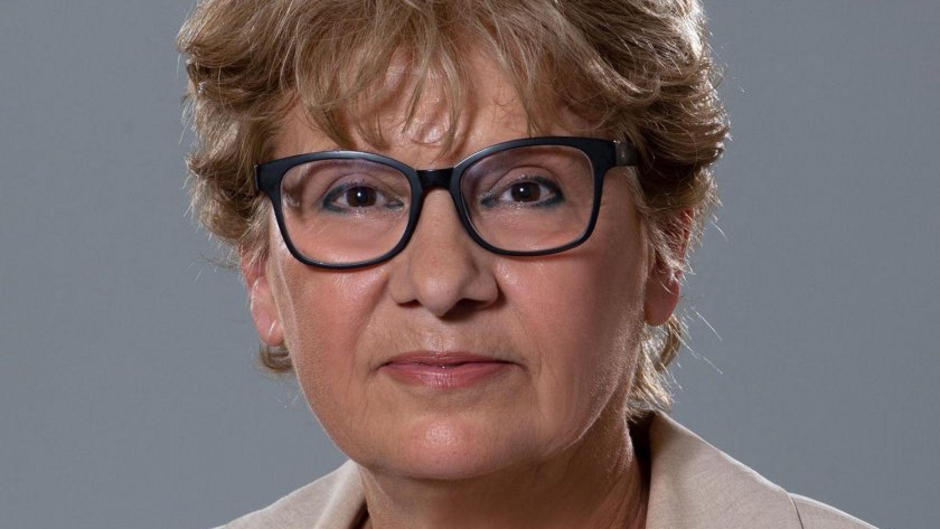 Виолета Комитова, министър на регионалното развитие и благоустройството