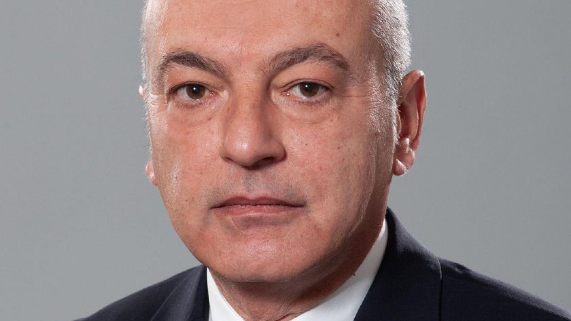 Гълъб Донев, заместник министър-председател по икономическите и социалните политики и служебен министър на труда и социалната политика
