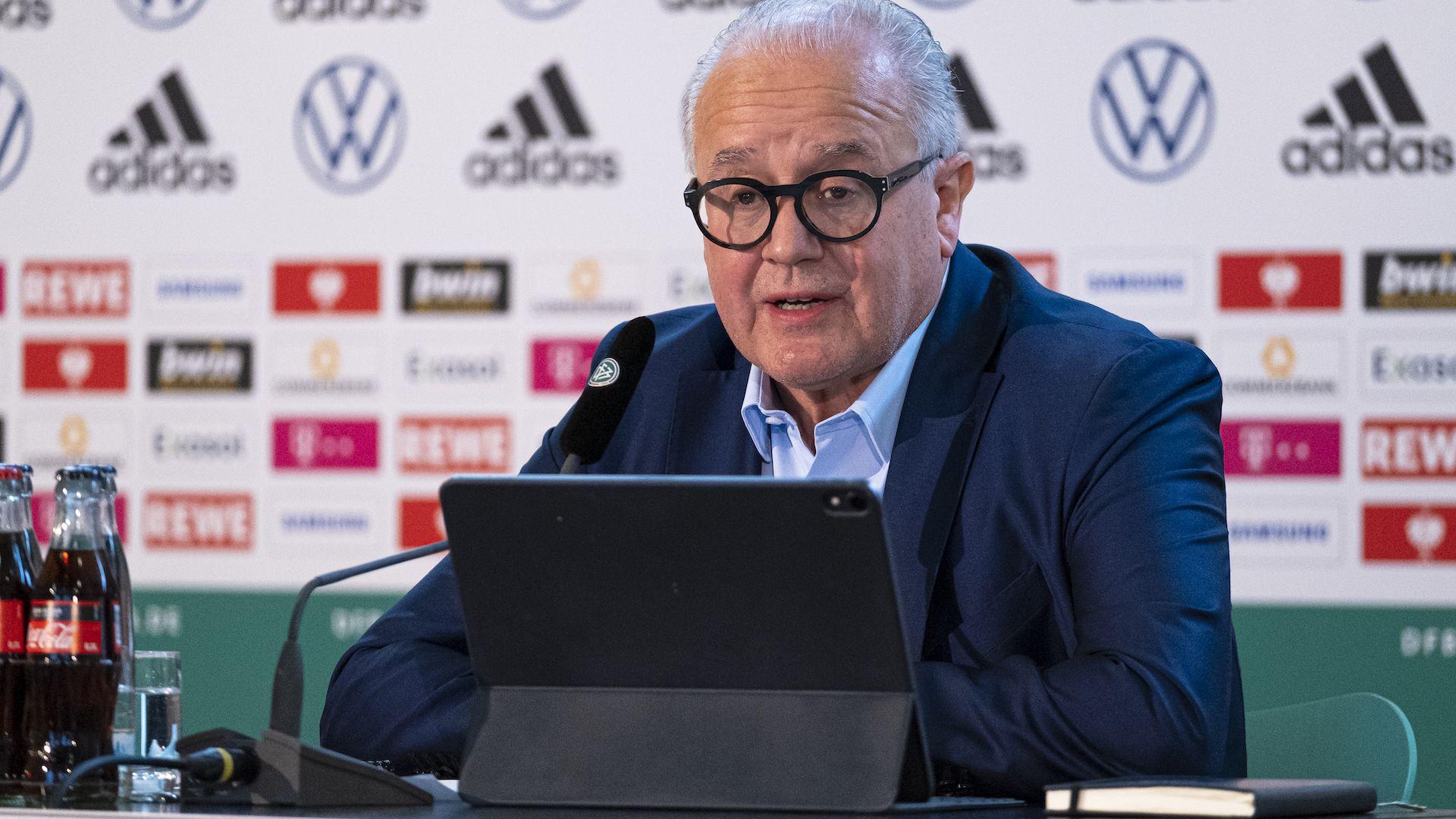 Президентът на германския футбол подава оставка заради нацистки скандал