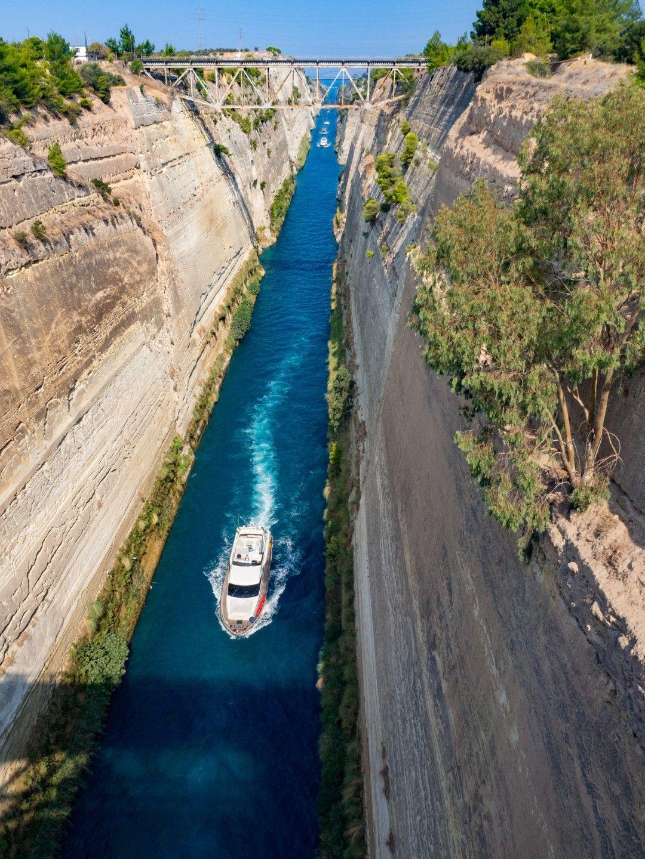 Коринтският канал в Гърция