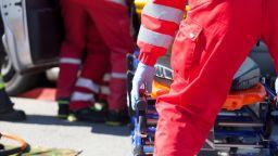 """Шведско семейство катастрофира на АМ """"Марица"""", водачът е с опасност за живота"""