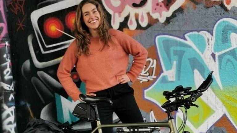 Десет хиляди километра ще навърти с колело до Токио ниндерландката