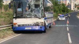 Автобусната катастрофа край Сандански станала, след като шофьорът на ТИР-а не пуснал мигач