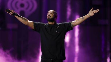 """Рапърът Дрейк ще получи приза """"Изпълнител на десетилетието"""" на наградите Billboard"""