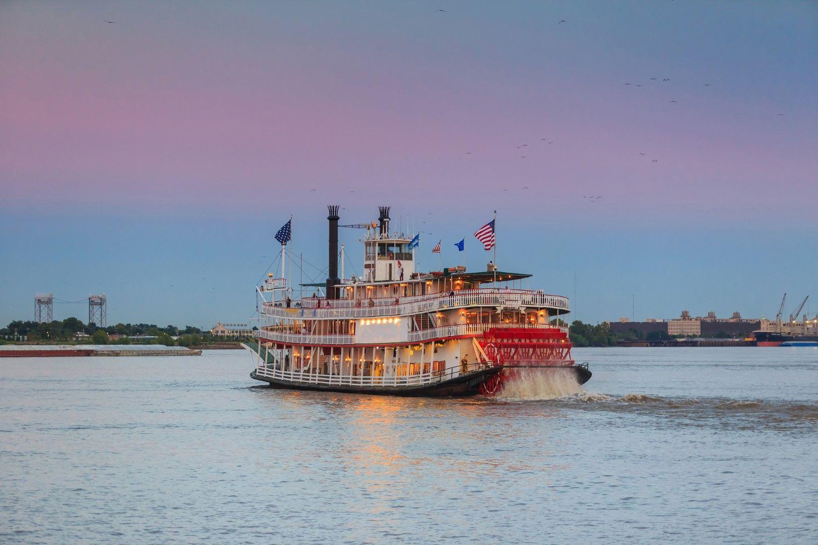 Кораб по река Мисисипи