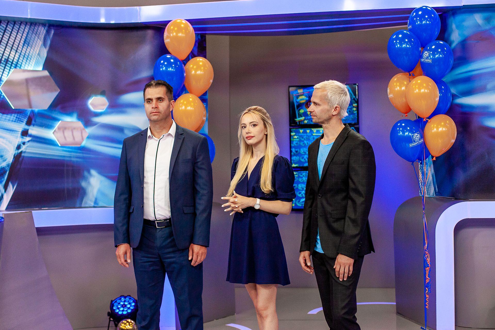 Любомир Петров, Део и Марина приветстват гостите в студиото на Спорт Тото