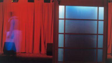"""Ния Пушкарова възстава срещу ограниченията с новата си изложба  """"Аз, нормалната"""""""