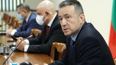 """Стоилов: Не виждам да обикаляме с джипка, възгласите """"Бият Паниковски!"""" не минават"""