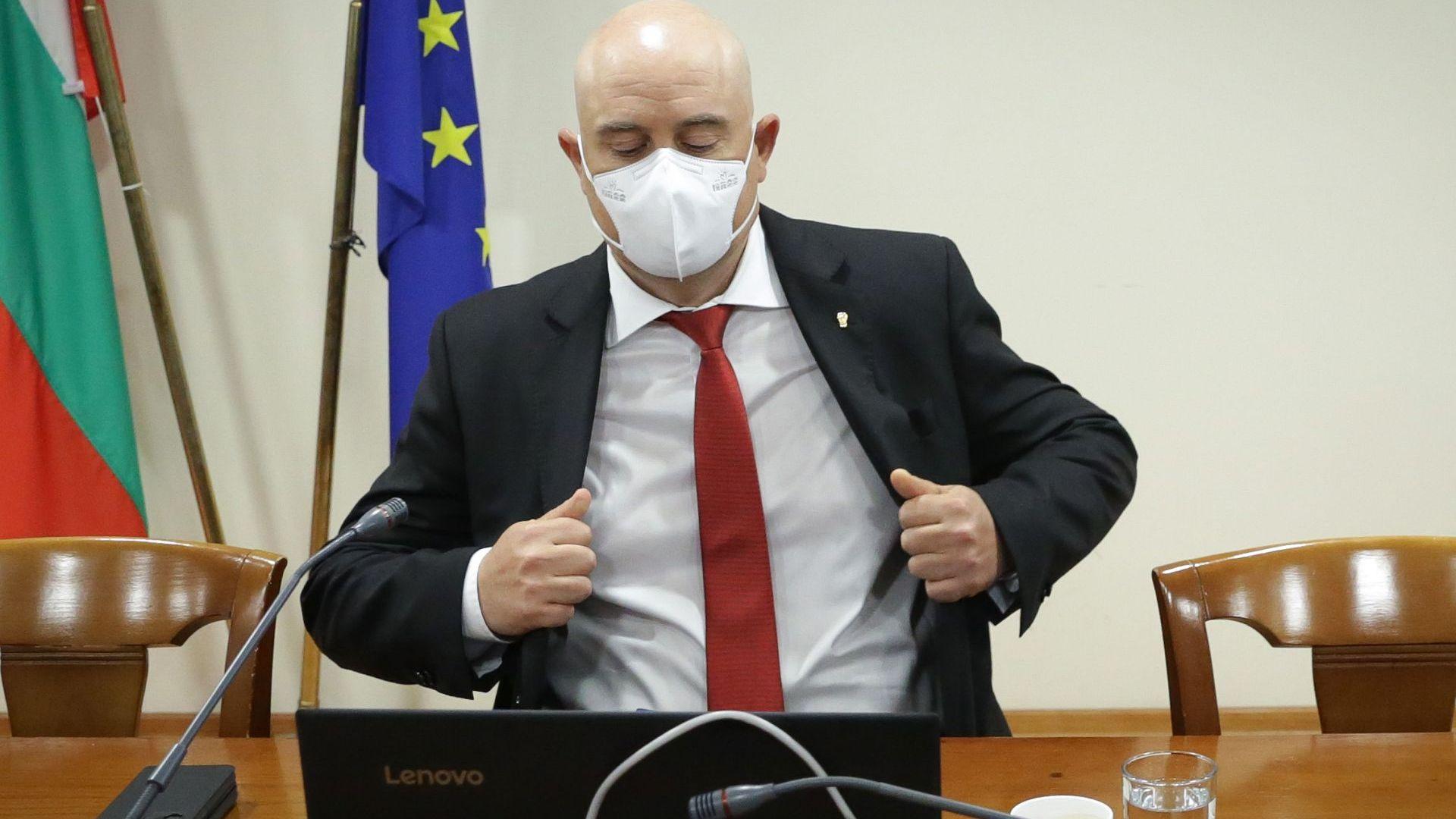 ВСС защити спецмагистратите. Гешев: Закриването е тричане на съдии в полза на мафията