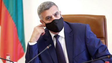 Служебният премиер на първото заседание: Няма заклел се министър с COVID-19