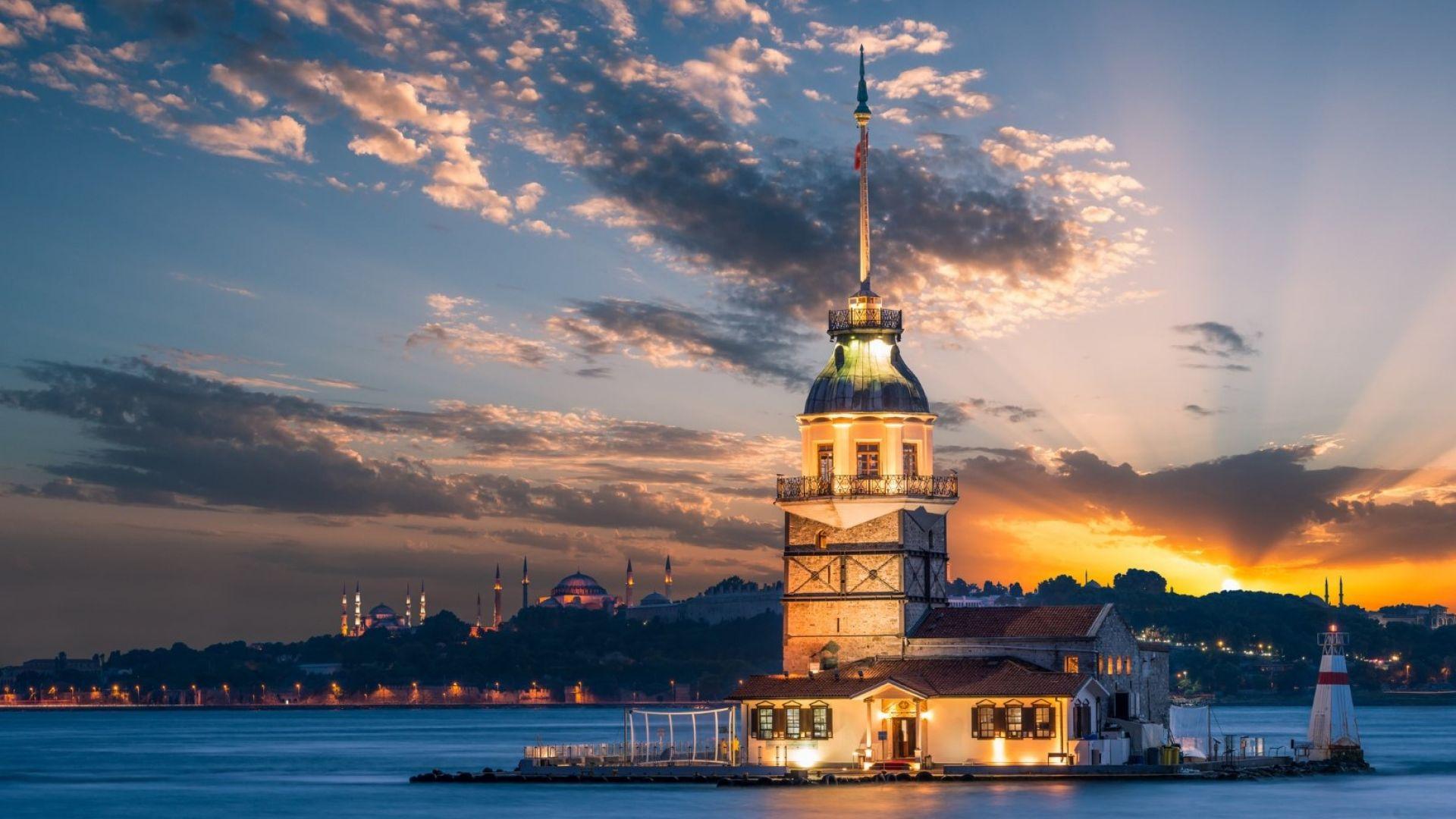 Домъчняло ви е за Истанбул? Вижте това видео!