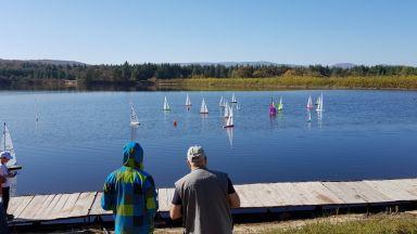 Радиоуправляеми ветроходни яхти ще мерят сили на езеро край Русе