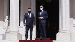 Заев поиска помощ от Гърция за проблемите с България