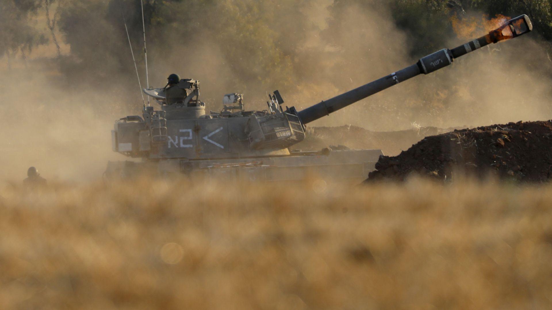 Хамас изстреля стотици ракети, Израел отвърна с масирани атаки
