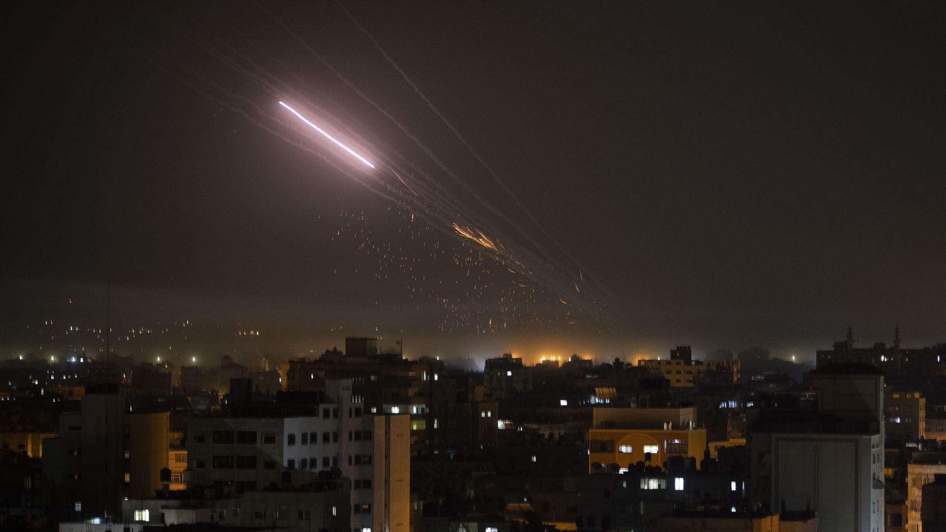 """Кой доставя ракети на """"Хамас""""?"""