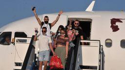 Първите израелски туристи пристигнаха в Слънчев бряг (снимки)