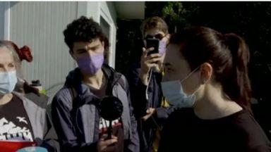 Проверяват фермата за норки край Стара Загора на фона на нов протест (видео)