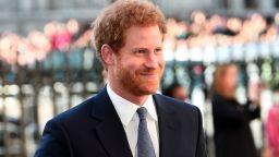 Принц Хари сравни живота си в Бъкингамския дворец с обитаване на зоопарк