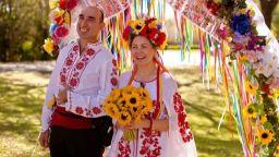 Световноизвестен мим от Свиленград се венча във Флорида за украинка