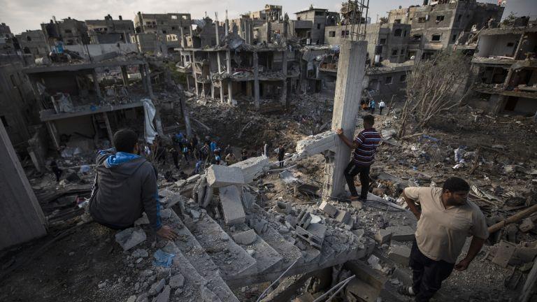 """Масиран танков обстрел """"като във видеоигра"""" в Газа (снимки)"""