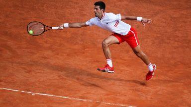 Римският дъжд заваля навреме за Джокович и го остави в играта срещу Циципас