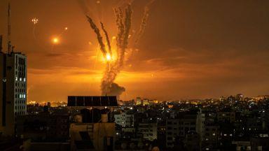 Конфликтът продължава да сее смърт: Израел порази обекти на Хамас, но и жилищна сграда в Газа