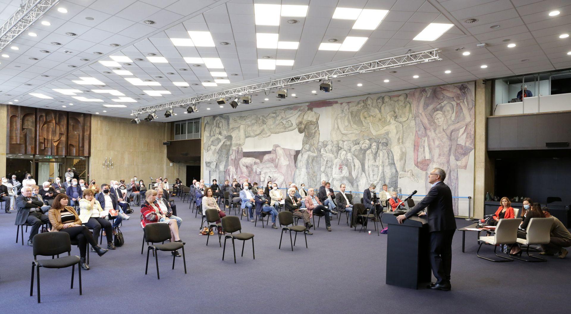 """Учредителна среща на обединение в БСП """"Социализъм 21 век"""" се състоя в зала 6 на НДКпност и последователност в политиката"""