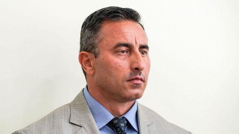 На фона на призиви за оставката на новия изпълнителен директор