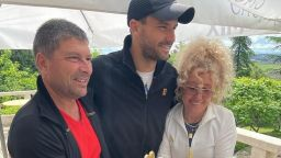 Семейството на Григор го зарадва с торта в цветовете на България за рождения ден