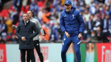 """Британците скочиха на треньора на Челси и неуважителното му облекло на """"Уембли"""""""