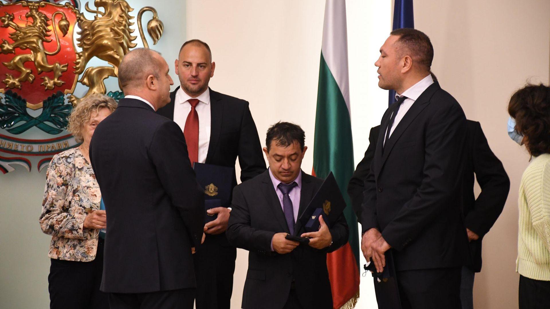 Президентът отличи с почетен знак големи шампиони в Деня на спорта (Снимки)
