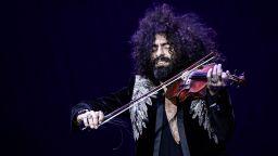 Ара Маликян пред Dir.bg: Беше ми писнало да обяснявам, че в калъфа си нося цигулка, а не картечница